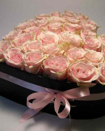 Box srce sa roze ružama