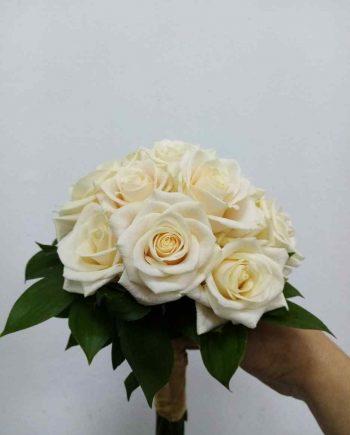 Bidermajer sa bež ružama