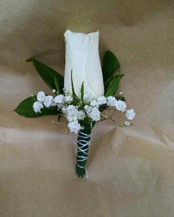 Cvetić za rever bela ruža i gipsofila
