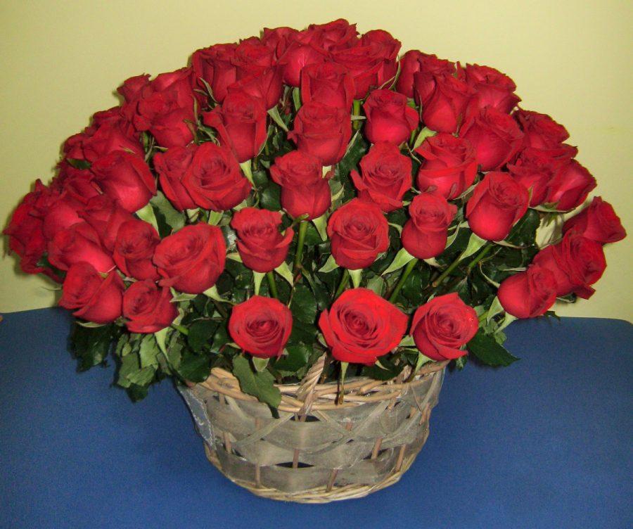 Korpa sa 101 crvenom ružom
