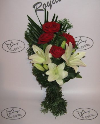 Buket za krst sa ružom i ljiljanom