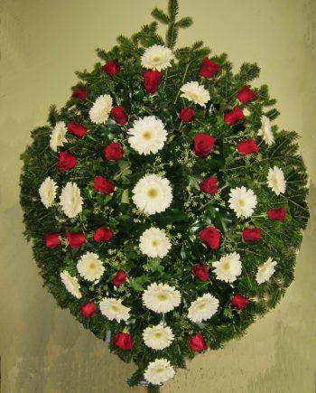 Venac sa ružama i gerberom