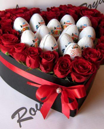 Box of flowers srce sa ružom i kinder jajima