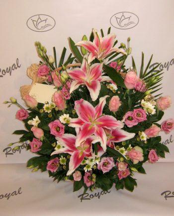 Korpa sa orjentalom, ružom i lizijantusom 420