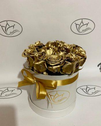 Box of flowers sa zlatnom ružom 540