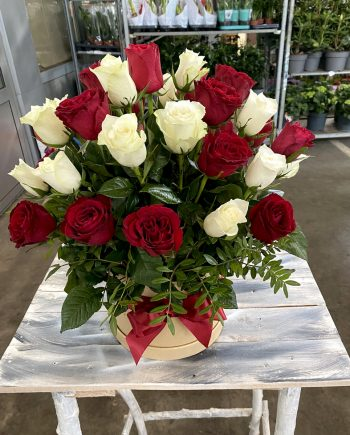 Box of flowesrs sa Box of flowers sa ružama 556 556