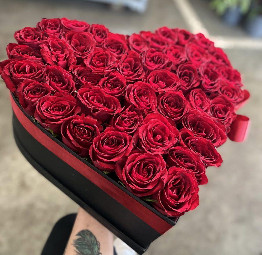 Box of flowers srce sa ružma 579